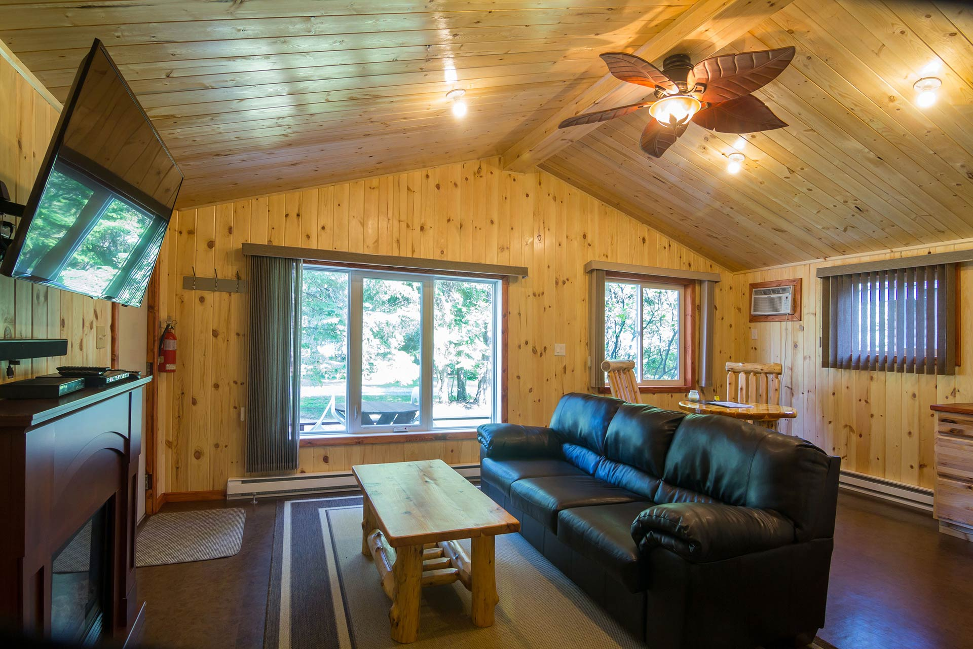 cabin x ski cabins protected az pinetop in mountains white rental of photo